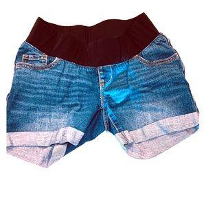 NWOT MATERNITY OLD NAVY jean shorts size 4